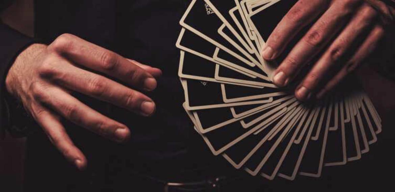 Magiciens à Genève, mentalistes à Genève, magicien digital à Genève, illusionnistes à Genève, magiciens en Suisse avec Stars Magic – Animations de soirées d'entreprises à Genève et en Suisse